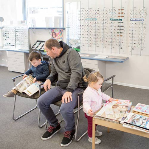 Family & Kids eye tests at Optometrist East Maitland NSW